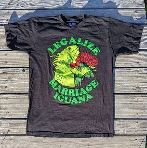 Legalize marriage iguana t-shirt 🦎🌹